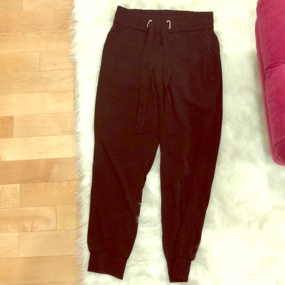Black dynamite SACHA jogger brand new with tags